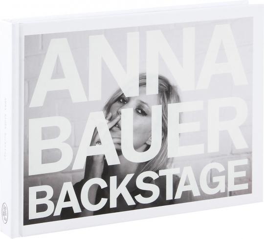Anna Bauer. Backstage.