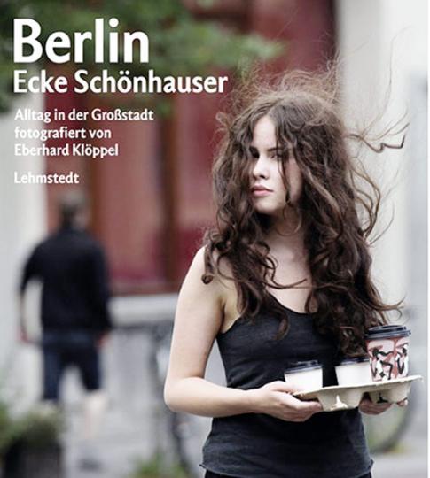 Berlin - Ecke Schönhauser. Alltag in der Großstadt.