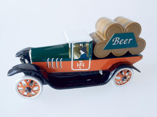 Brauerei Lastwagen aus Blech.