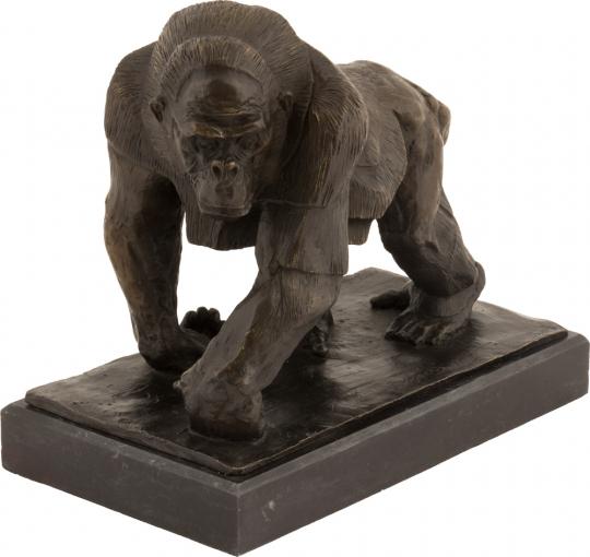Bronzefigur Rembrandt Bugatti »Gorilla«.