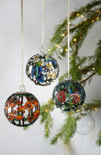 Gläserne Weihnachtsbaumkugeln »Tiffany«.