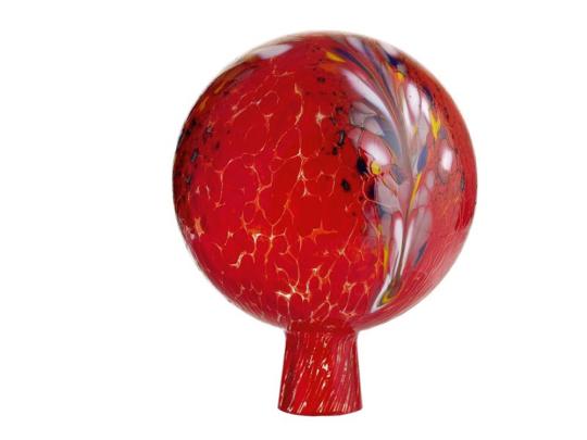 Glaskugel für den Garten, rot und bunt getupft.