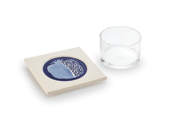 Glasschale mit Keramikuntersetzer »Granatapfel«.