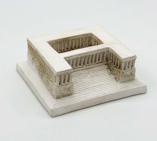 Kleines Modell des Pergamonaltars.