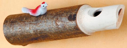 Kuckuckspfeife mit Vogel.