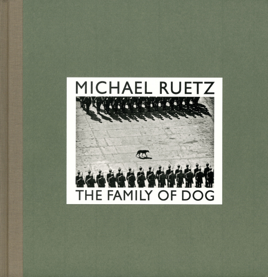 Michael Ruetz. The Family of Dog.
