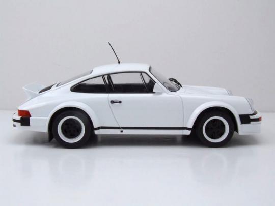 Porsche 911 Plain-Version 1982. 1:18.