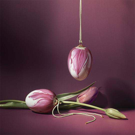 Porzellanei »Blütenblatt der Magnolie«.