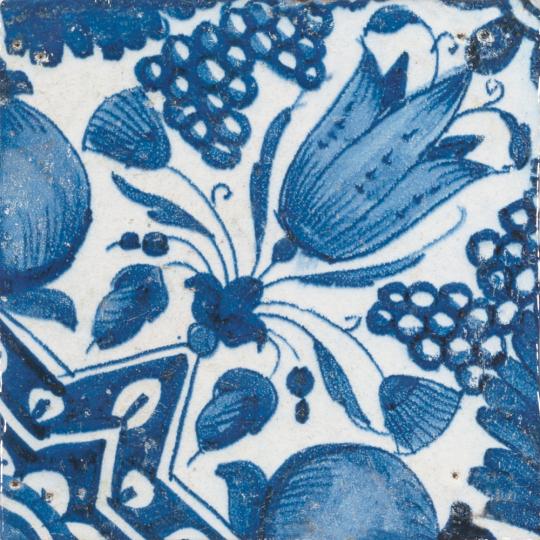 Replik Delfter Kachel »Eine Tulpe«, blau/weiß.