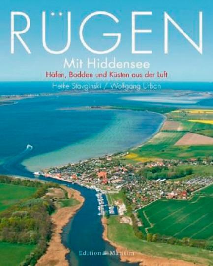 Rügen mit Hiddensee. Häfen, Bodden und Küsten aus der Luft.