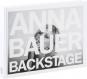 Anna Bauer. Backstage. Bild 1