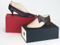 Das Paar Schuhe. Box mit Herren- und Damen-Schuh. Bild 5